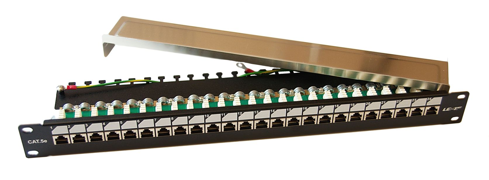 Patch panel EXCLUSIVE 24 portů C5e s poličkou osazený FTP